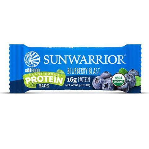 "Sunwarrior Μπάρα Πρωτεϊνης με Μύρτιλλο ""Blueberry Blast"" 60gr"